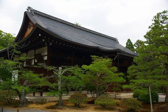 京都広隆寺本堂の屋根